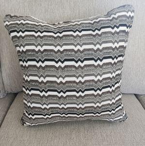 NEW Set Of 3 Throw Pillows